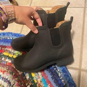 COPY - LIKE NEW Black Chooka Chelsea Rain Boots Sz 8